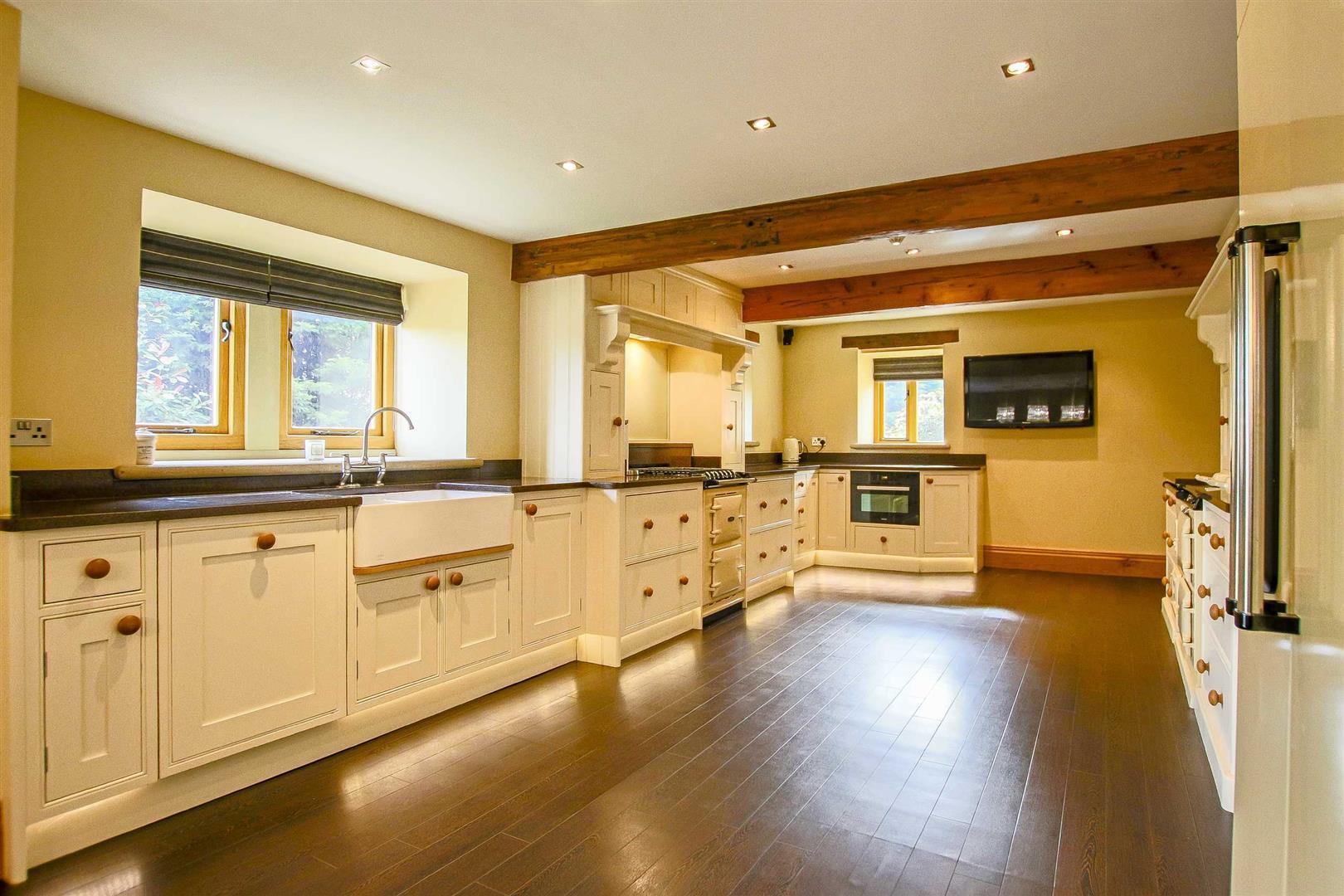 5 Bedroom Cottage For Sale - Image 27